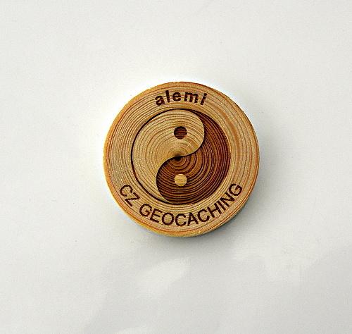 czech%20wood%20geocoin%2040.JPG