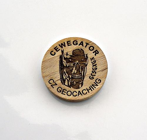 czech%20wood%20geocoin%2042.JPG
